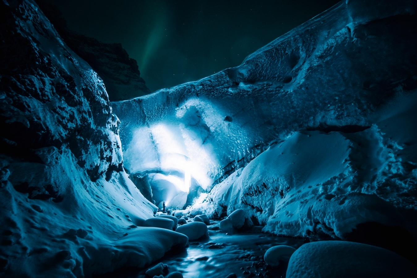 MISTERI E CONTRASTI DELLIINVERNO ISLANDESE - National geographic expeditions