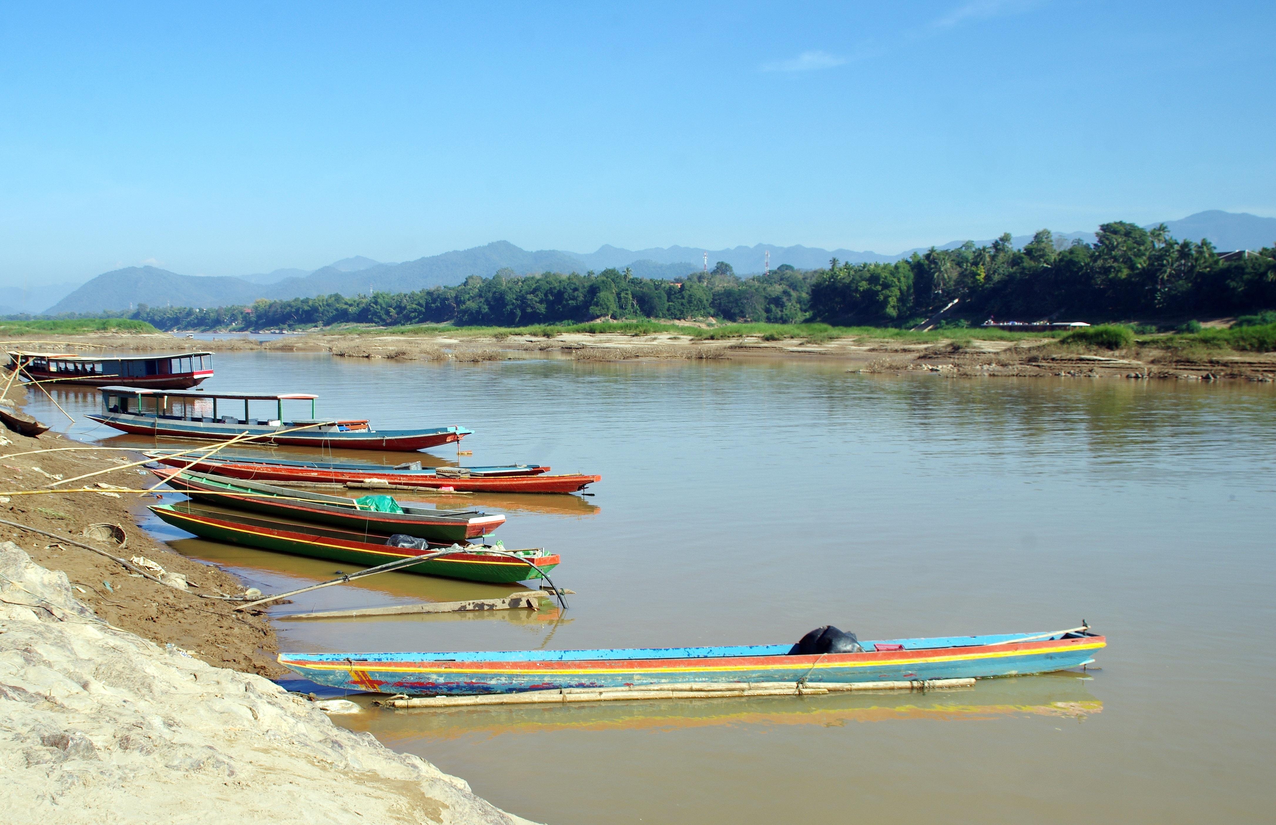 VIE D'ACQUA IN THAILANDIA DEL NORD, MEKONG, LAOS